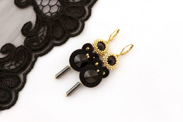 kolczyki na wieczór elegancka biżuteria, stylowe dodatki, kolczyki z kryształkiem
