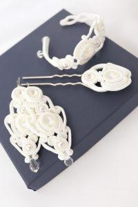 kolczyki ślubne w bieli