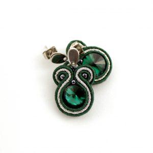Małe kolczyki sutaszowe w kolorze emerald, ze srebrnym dodatkiem, kolczyki na sztyfcie