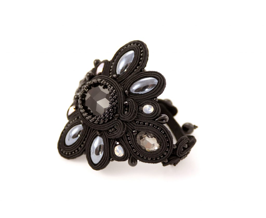 czarna, sutaszowa bransoletka