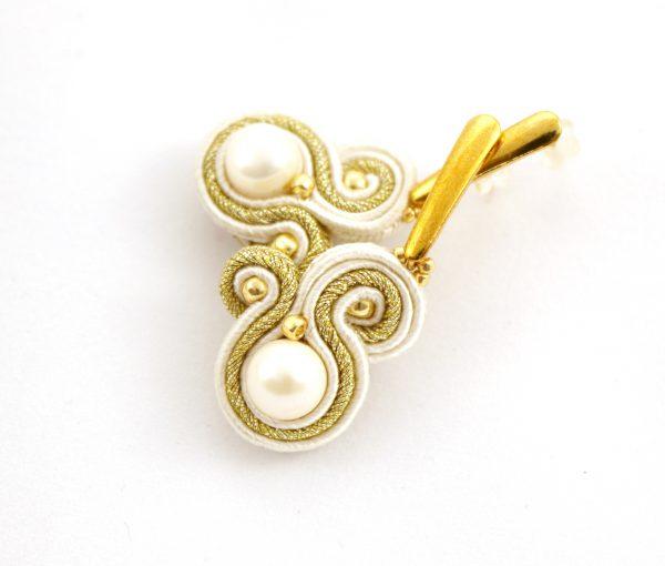 kolczyki z perłą, wiszące subtelne w odcieniach beżu, kolczyki do ślubu