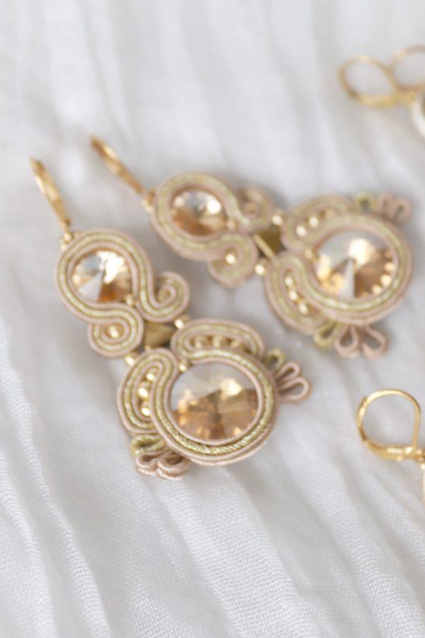 kolczyki w kształcie liścia z kryształkiem, styl boho, glamour