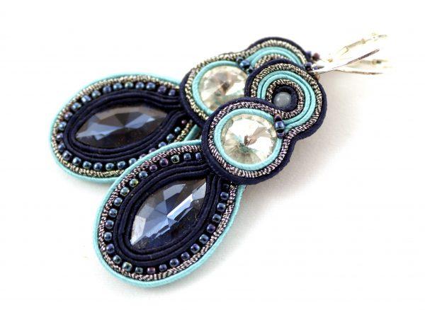 ocean długie kolczyki z błyszczącym wrzecionem, idealne do sukienki na wesele, kolczyki w wyszywane niebieskimi pasmami,