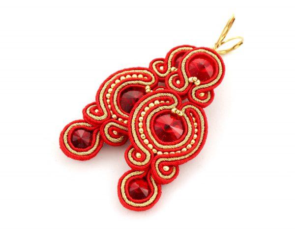 Eleganckie czerwone kolczyki wyszywane złotymi kuleczkami, błyszczące kolczyki, wykonane ręcznie, biżuteria luksusowa