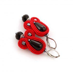 czerwone kolczyki z kryształową zawieszką, kropla agatu, kolczyki wiszące z suatszu