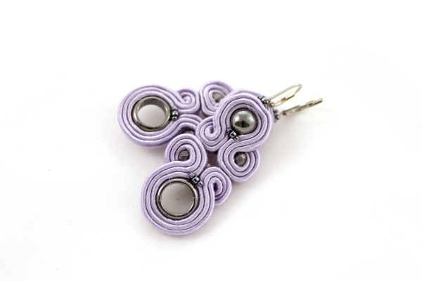Lilac kolczyki, fioletowe kolczyki z kołem, elegancka biżuteria, wiszące kolczyki do sukienki,