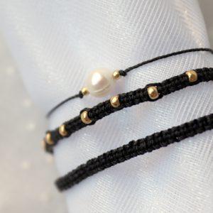 bransoletki czarne plecione z kuleczkami i perłą