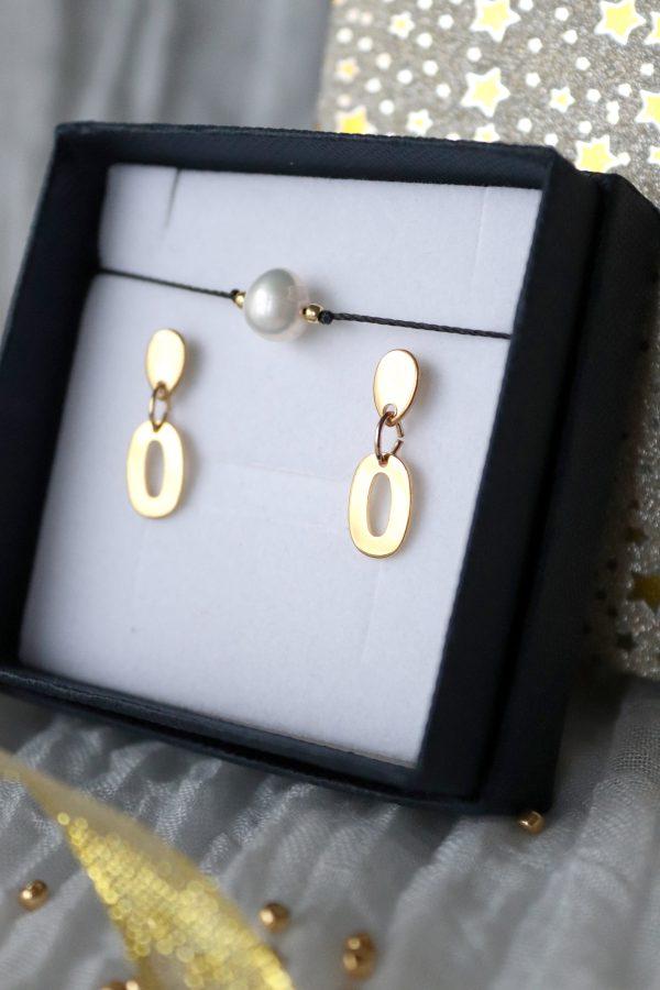 złote kolczyki relva w komplecie z delikatną bransoletką z perłą i złotymi kuleczkami na zapięciu regulowanym