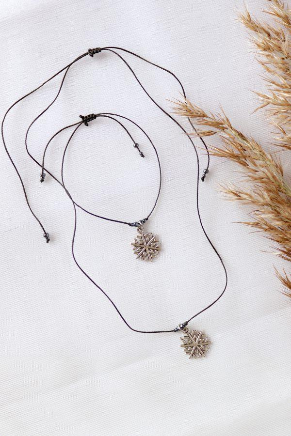 komplet zimowej biżuterii ze śnieżynką zawieszką, srebrne zawieszki,