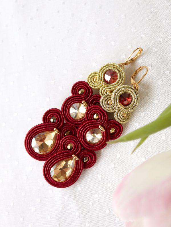 bordowe kolczyki sutasz, kolczyki długie eleganckie ze złotą kroplą, głęboka czerwień, długie i efektowne