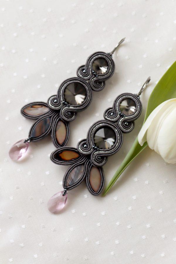 kolczyki z kryształami swarovskiego, długie kolczyki motyw liścia, z kryształkami różowymi Swarovskiego