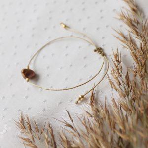 bransoletka na kawowym sznureczku z perłą