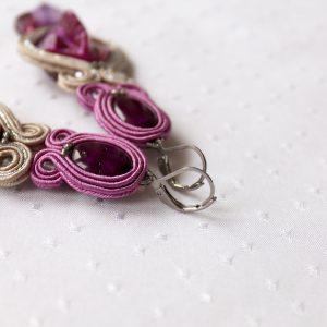fioletowe kolczyki z masą perłową trendy 2021 (2)