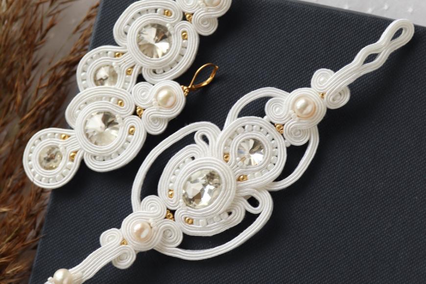 Ślubna biżuteria idealny dodatek dla Panny Młodej