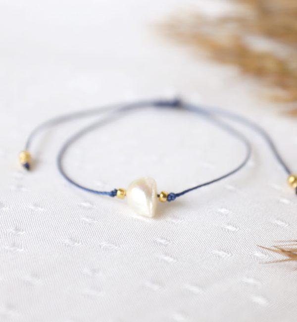 perła na niebieskim sznureczku regulowana (1)