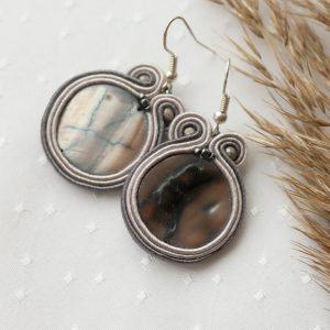 szare kolczyki sutasz z piękną masą perłową (1)