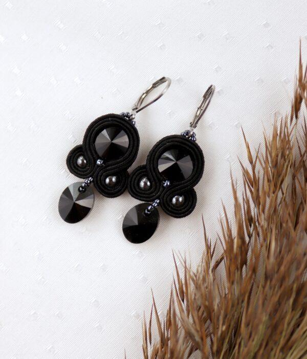czarne kolczyki z kryształkami z zawieszką (1)