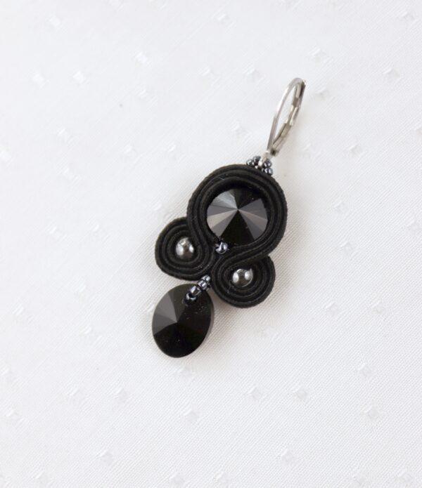 czarne kolczyki z kryształkami z zawieszką (3)
