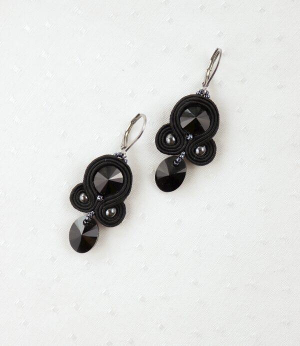 czarne kolczyki z kryształkami z zawieszką (4)