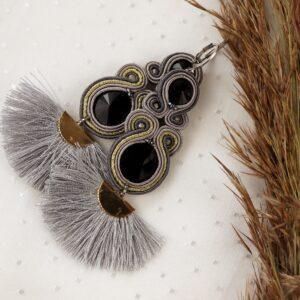 kolczyki z kryształkami i srebrnymi wacharzami