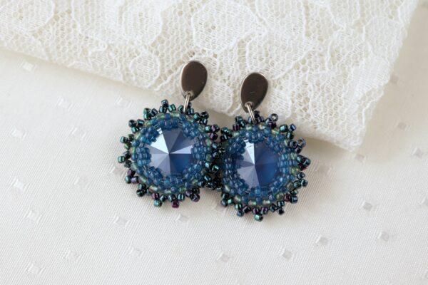 błyszczące kolczyki z kryształkami i koralikami niebieskie